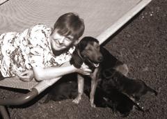 Abbildung: Heike mit ihrem Hund